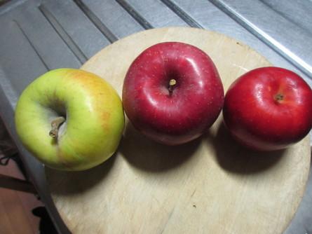 984)リンゴの旬。_b0029010_22302050.jpg