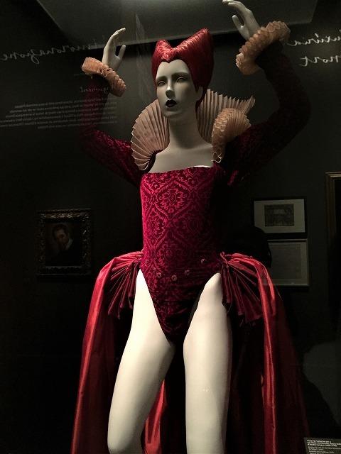 Caixa forumの展示会「オペラ」1_b0064411_06554092.jpg