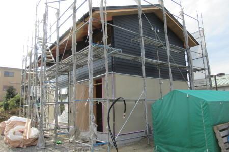 「別名の家」壁塗装_b0179213_18440620.jpg