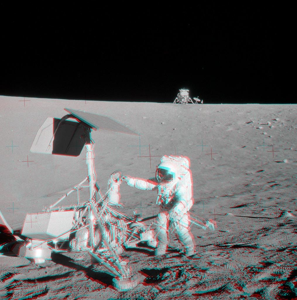 アポロ12号の月面着陸から50年_d0063814_17201072.jpg