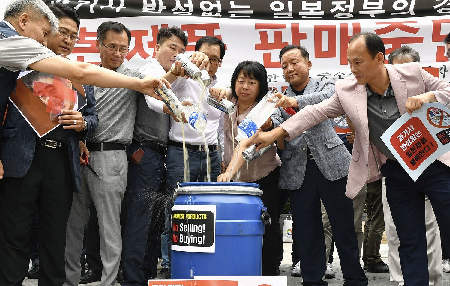 なぜ安倍政権の支持率は下がらないのか - 電波の独占、皇室利用と韓国叩き_c0315619_13541583.png