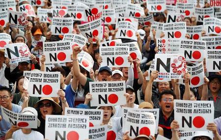 なぜ安倍政権の支持率は下がらないのか - 電波の独占、皇室利用と韓国叩き_c0315619_13542049.png