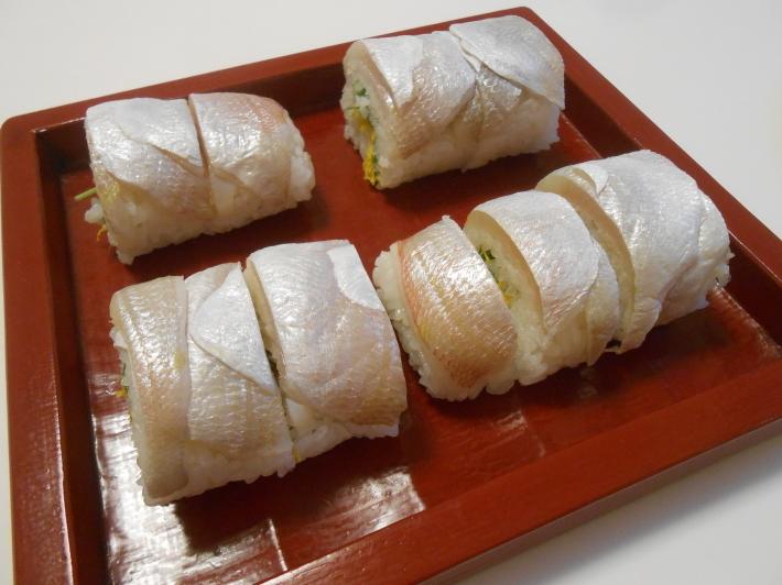 漬物でビール。鯛す寿司でカヴァ。_a0095931_21354593.jpg
