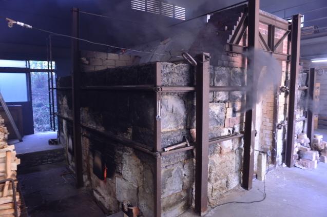 初めて、有田の窯焚きを見てきました。_f0345938_18105852.jpg