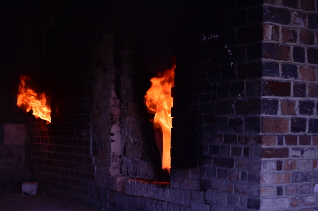 初めて、有田の窯焚きを見てきました。_f0345938_18190490.jpg