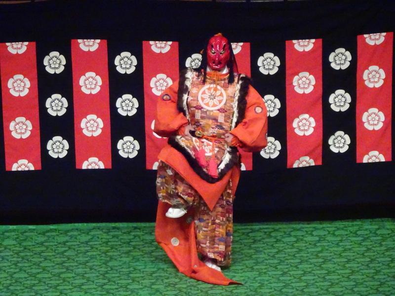 青森シニアカレッジ公開講座『雅楽の魅力Ⅱ~演奏と舞~』(2)_d0366509_18233981.jpg