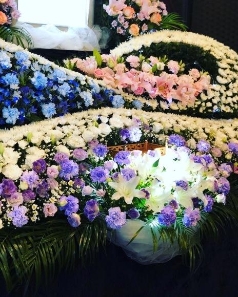 綺麗な花々に囲まれて…_e0229118_15474080.jpeg