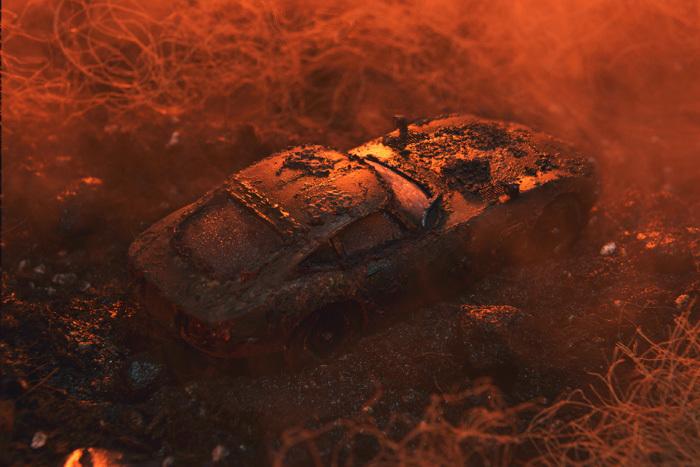泥中のトヨタ2000GT_b0175635_17480733.jpg