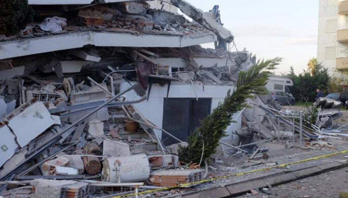 プーリアで地震を感知!_b0305039_20370876.jpg