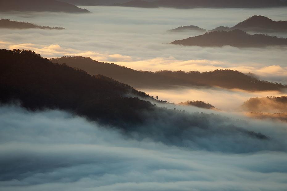 来日岳の雲海'19 #2_c0067040_22104195.jpg