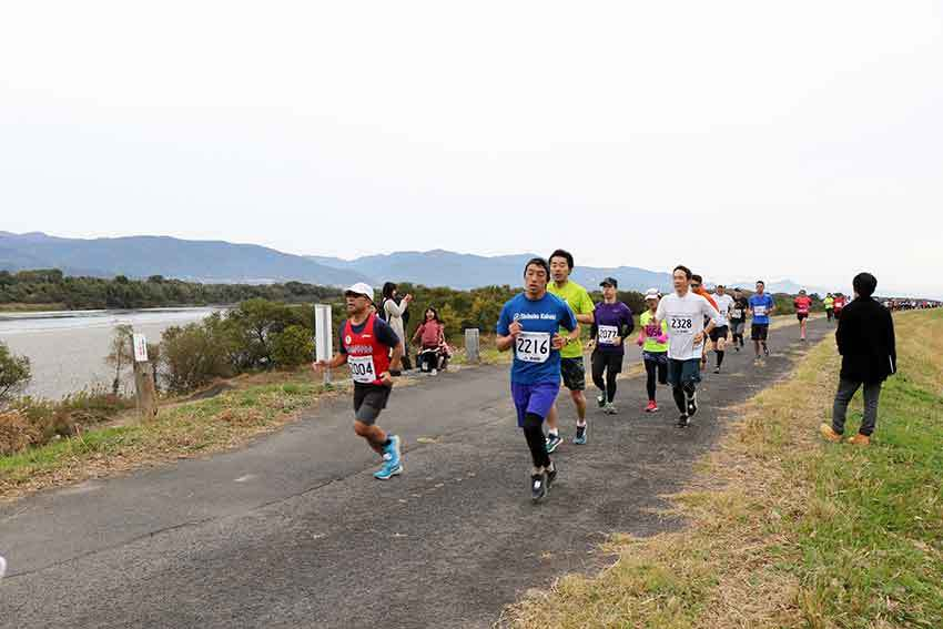 第19回吉野川市リバーサイドハーフマラソン-03♪_d0058941_20452208.jpg