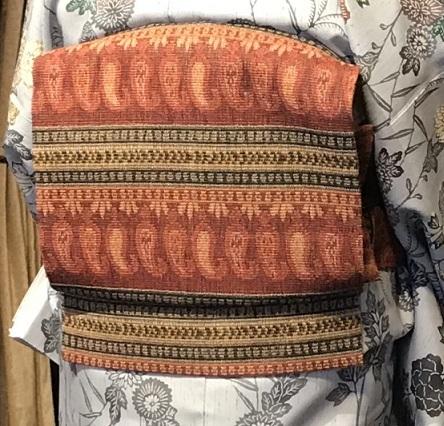 11周年・着にくかった菊の紬・ペイズリー柄の八寸帯。_f0181251_17061305.jpg
