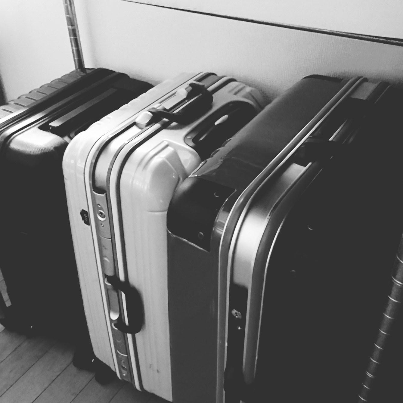 ++旅行バッグの断捨離*++_e0354456_09405252.jpg
