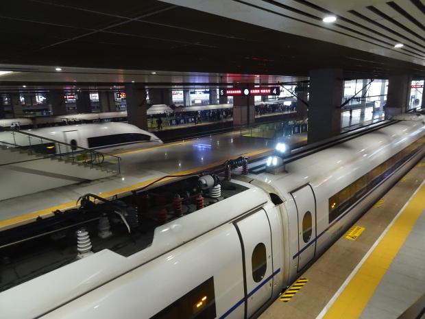 中国の新幹線??_d0193569_07351617.jpg