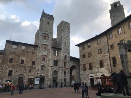 必見!『San Gimignano 1300(序章)』(街道編)_a0136671_00043457.jpeg