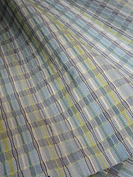 織り上げたばかりの緯吉野着尺は・・・。_f0177373_18345171.jpg