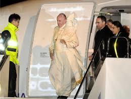 ローマ教皇が天皇に会いに来た_c0385678_08472928.jpg
