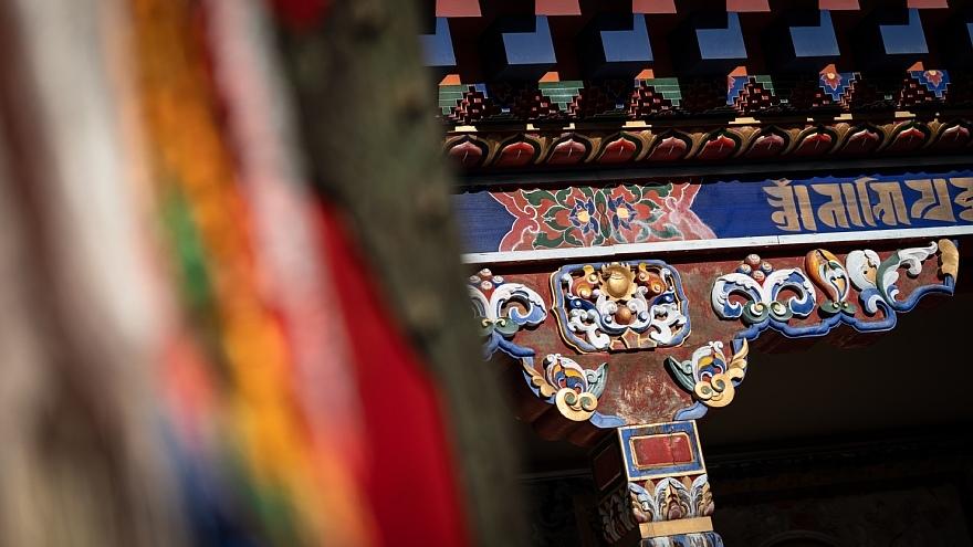 チベット寺院に溢れる哀愁の原色_d0353489_14140206.jpg