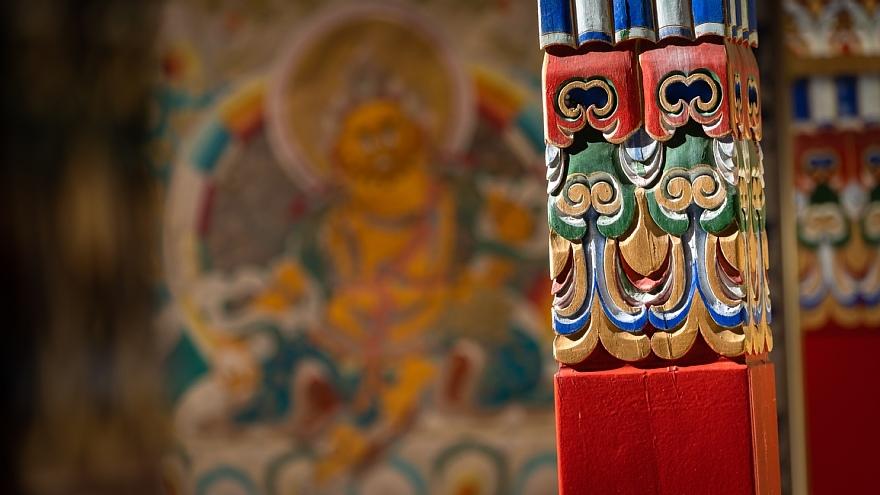 チベット寺院に溢れる哀愁の原色_d0353489_14150576.jpg
