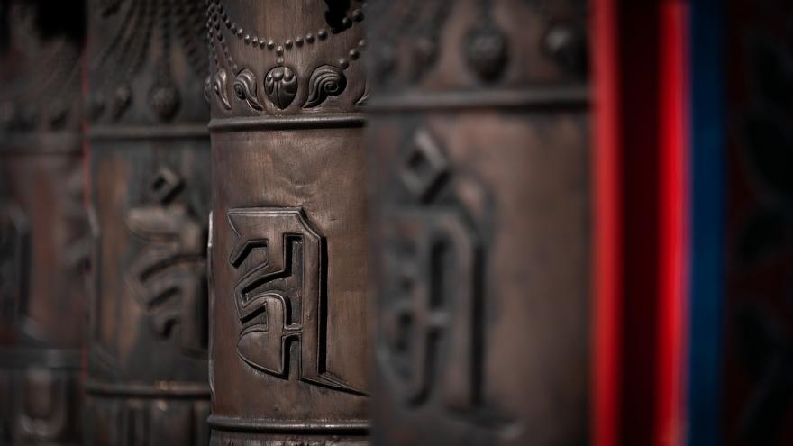 チベット寺院に溢れる哀愁の原色_d0353489_14192366.jpg