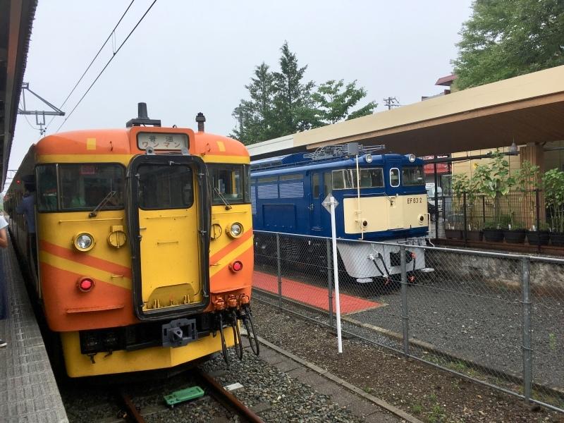 しなの鉄道115系台鉄自強号色&コカコーラ色_d0367998_09111017.jpeg
