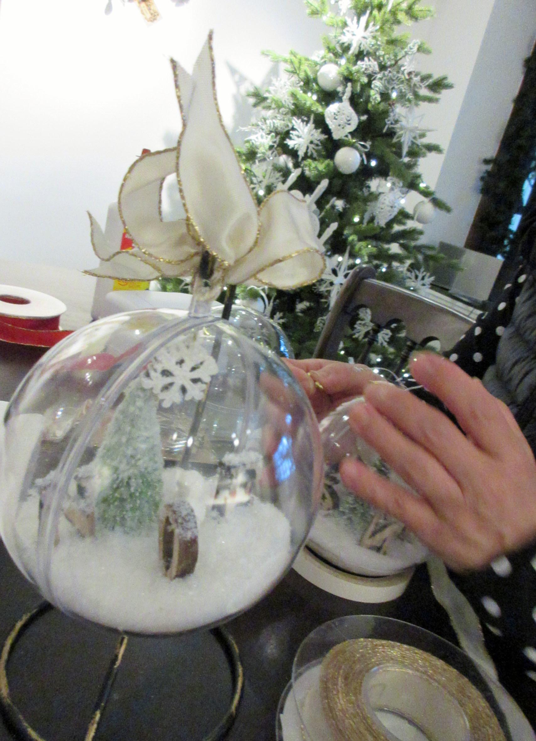 ちょっと早めのクリスマス気分。リース;にもみの木&オーナメント_e0341401_01233123.jpg