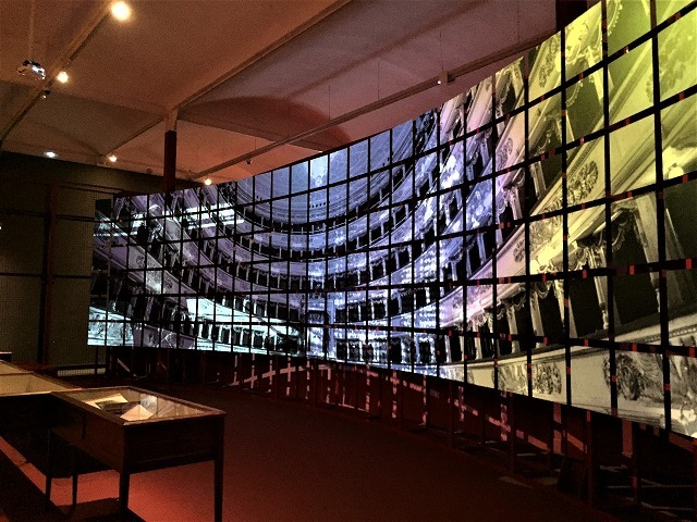 Caixa forumの展示会 「オペラ」4_b0064411_06444057.jpg