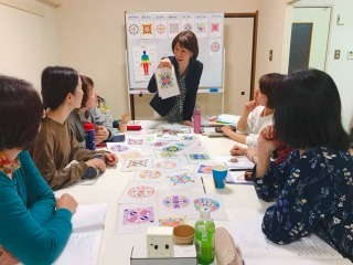 マンダラぬりえでカラーセラピー 名古屋講座 レポ_c0200917_23492481.jpg