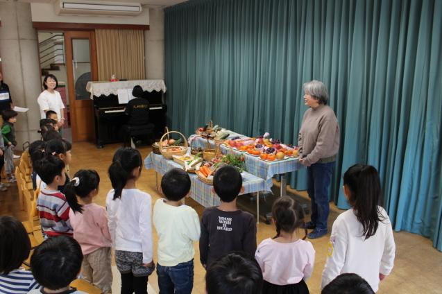 収穫感謝礼拝 と 焼き芋_e0209845_09462531.jpg