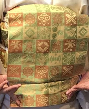 11周年・石下結城に市松宝尽くし帯・天皇、皇后陛下京都へ。_f0181251_18423372.jpg