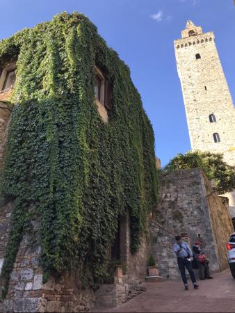 サンジミ1300、塔の内部へ_a0136671_00082079.jpeg