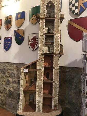 サンジミ1300、塔の内部へ_a0136671_00325602.jpeg