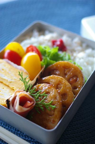 鶏ひき肉の蓮根はさみ焼き弁当_d0327373_07554150.jpg
