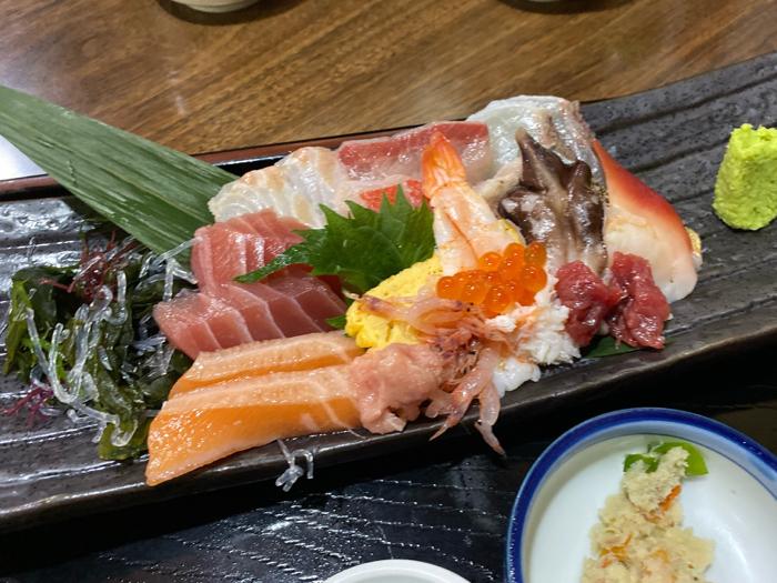 市場内のお店で食べた美味しい海鮮料理と孫たちと一緒に観たアナ雪II_b0175688_20114633.jpg