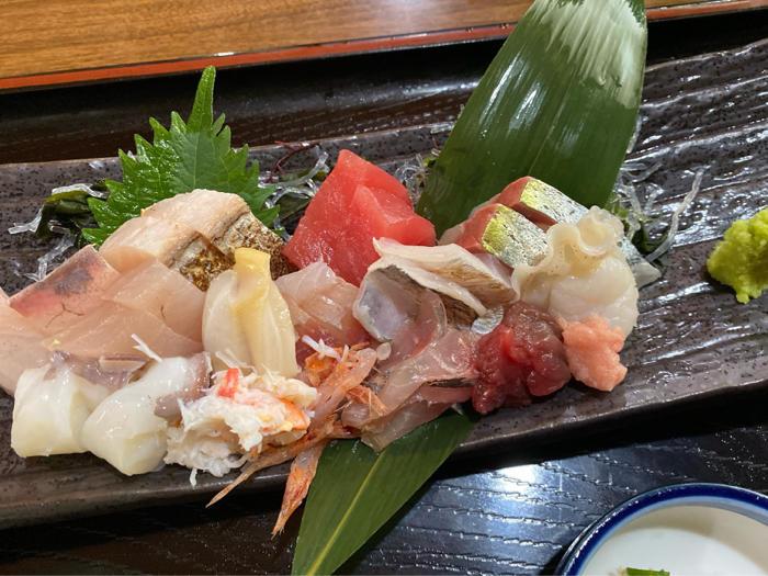 市場内のお店で食べた美味しい海鮮料理と孫たちと一緒に観たアナ雪II_b0175688_20135298.jpg