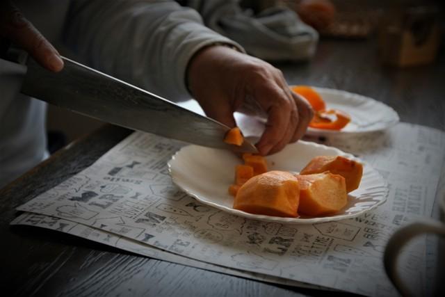 LCチワワ ベルは 柿が大好き~♬_f0229190_15075024.jpg