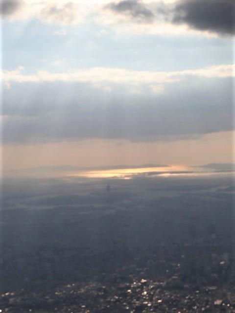 藤田八束の飛行機ANAの楽しみ方@ANAで楽しい下界の絶景、歴史を訪ね、最先端技術を見つけ、自然と文明の進み方を見る・・・そんな瞬間_d0181492_00110098.jpg