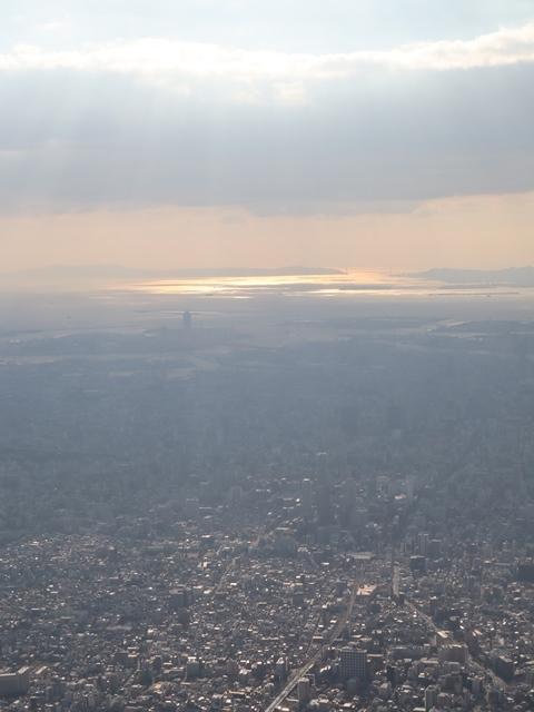 藤田八束の飛行機ANAの楽しみ方@ANAで楽しい下界の絶景、歴史を訪ね、最先端技術を見つけ、自然と文明の進み方を見る・・・そんな瞬間_d0181492_00110827.jpg