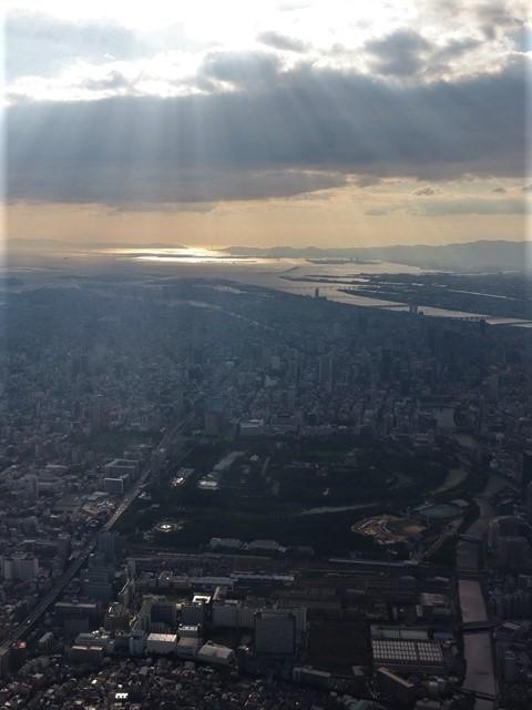 藤田八束の飛行機ANAの楽しみ方@ANAで楽しい下界の絶景、歴史を訪ね、最先端技術を見つけ、自然と文明の進み方を見る・・・そんな瞬間_d0181492_00111514.jpg