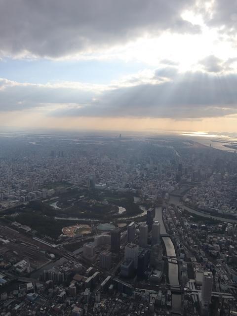 藤田八束の飛行機ANAの楽しみ方@ANAで楽しい下界の絶景、歴史を訪ね、最先端技術を見つけ、自然と文明の進み方を見る・・・そんな瞬間_d0181492_00112644.jpg