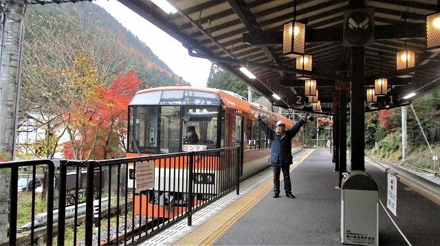 叡山電鉄 市原-二ノ瀬間 有名なもみじトンネルの朝_b0163804_10504517.jpg
