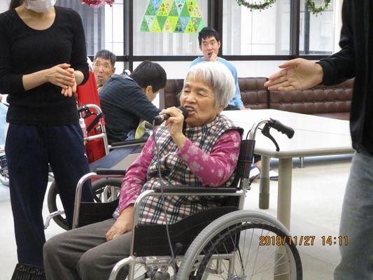 11/27 カラオケ_a0154110_16080633.jpg