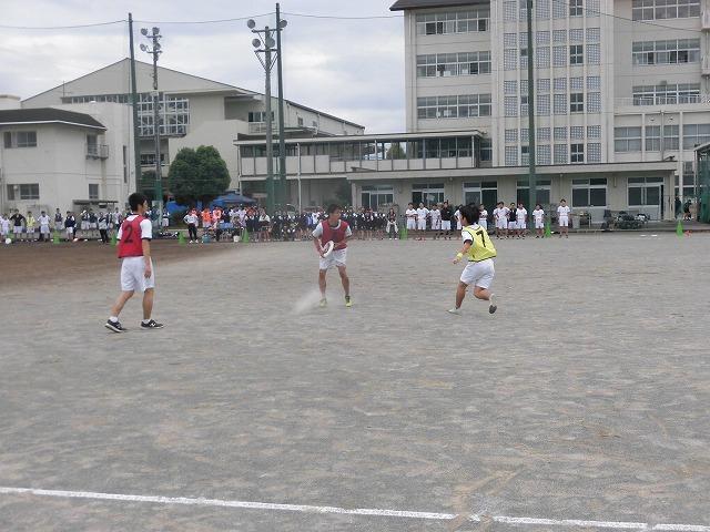 クラス対抗でアルティメットを戦う富士高の球技大会_f0141310_07351601.jpg