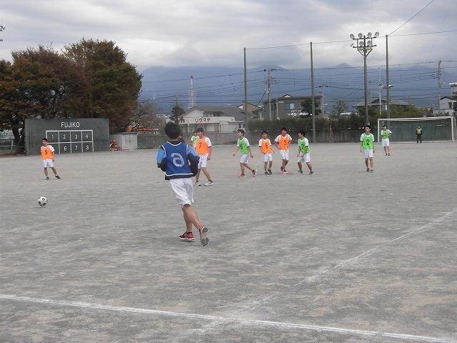 クラス対抗でアルティメットを戦う富士高の球技大会_f0141310_07362480.jpg