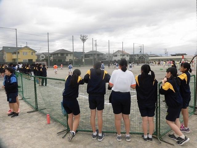 クラス対抗でアルティメットを戦う富士高の球技大会_f0141310_08173464.jpg