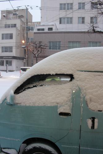避けては通れない除雪。_a0139912_16133129.jpg