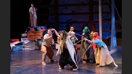 インドネシア関連の演劇:『ペール・ギュントたち~わくらばの夢~』@静岡芸術劇場@NHk World を聞く_a0054926_00035493.jpg