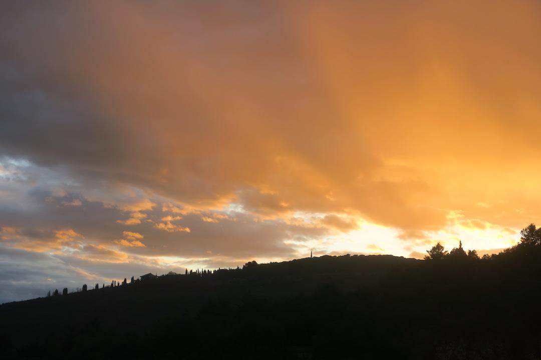 思いがけず美しい夕焼けと一段落_f0234936_8384326.jpg