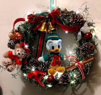 今年もクリスマスリースを作ってみました_c0036138_22300832.jpg