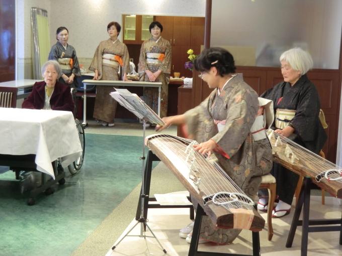 お琴・お茶の会_e0163042_17151381.jpg